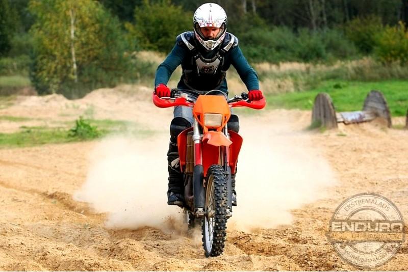Vairavimo pamoka Enduro motociklu + bekelės turas