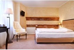 """Nakvynė viešbutyje """"Romantic"""" su pusryčiais ir baseinu"""