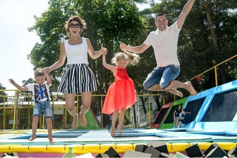 Visos dienos linksmybės Palangos vasaros ir batutų parke