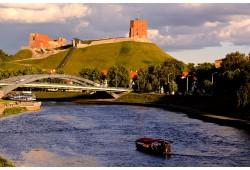 Plaukimas gondola Vilniuje