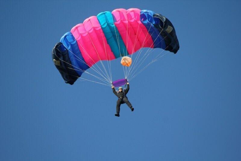 Savarankiškas šuolis parašiutu su apmokymais Raploje arba Taline