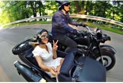 Pasivažinėjimas senoviniu motociklu su fotosesija Vilniaus senamiesty