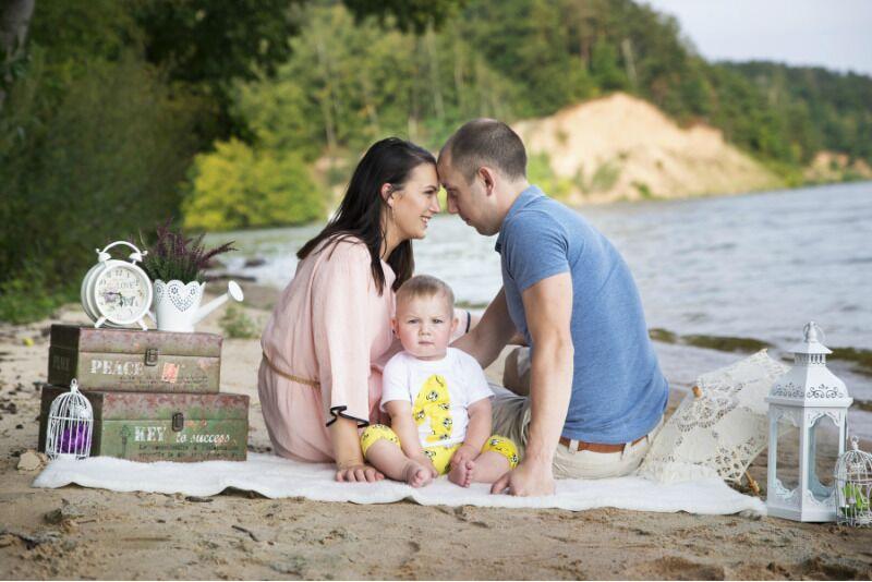 Šeimos fotosesija gamtoje arba pasirinktoje vietoje