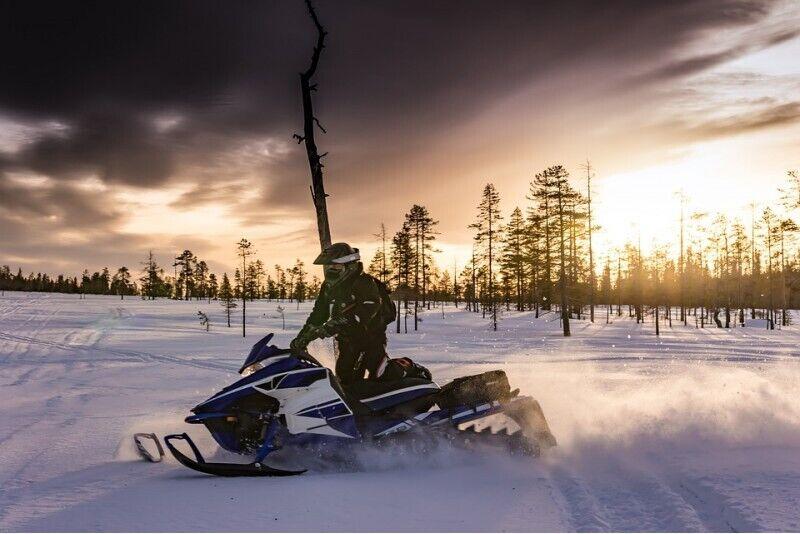 Pasivažinėjimas sniego motociklu Rygoje