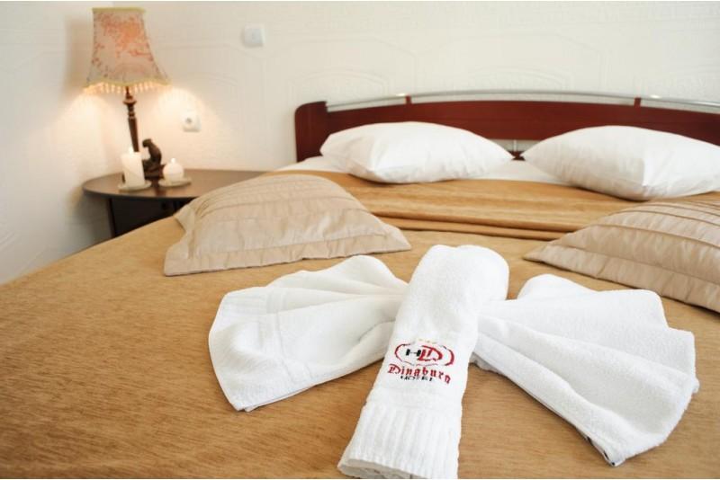 """Romantiškas poilsis su vakariene viešbutyje """"Good Stay Dinaburg Hotel"""" Daugpilyje"""