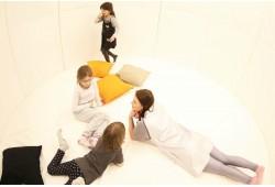 """Neribotas apsilankymas vaikų laisvalaikio ir edukacijos centre """"Cosmos place"""" 2 asmenims"""