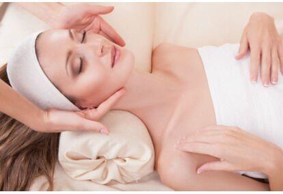 """Priešraukšlinė skaistinamoji veido procedūra su """"SeboCalm"""" dermatologine kosmetika"""