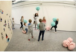 """1 val. apsilankymas vaikų laisvalaikio centre """"Cosmos place"""" dviem"""