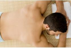 Atpalaiduojantis viso kūno masažas su natūraliu gintaro aliejumi Marijampolėje