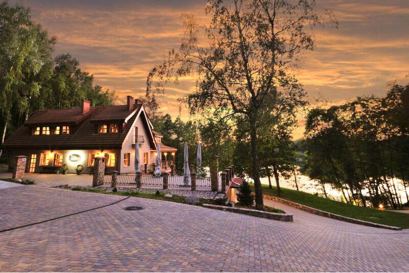 """Nakvynė viloje """"Gervalis"""" su vaizdu į ežerą Utenoje"""