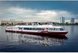 """""""Vecpilsētas panorāmas reiss"""" brauciens pa Rīgas kanālu un Daugavu ar kanāla kuģīšiem"""