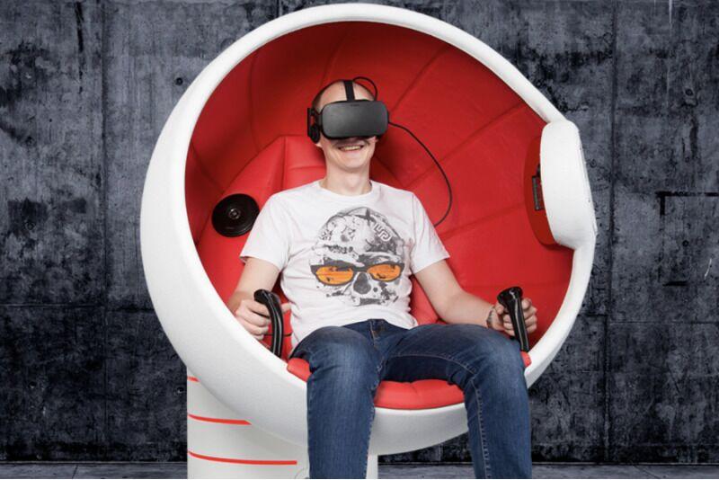 "Virtualios realybės atrakcionas ""Flyer"""