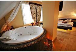 """Poilsis apartamentuose su sūkurine vonia viešbutyje """"Argo"""""""