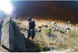 Nusileidimas lynu nuo uolos netoli Talino