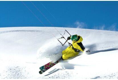 """Kaitavimas žiemą """"Snowkiting"""" Taline"""