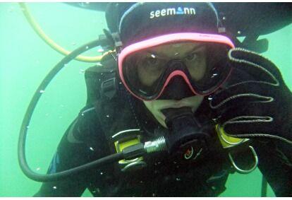 Pažintinis nėrimas su povandenine fotosesija Trakuose