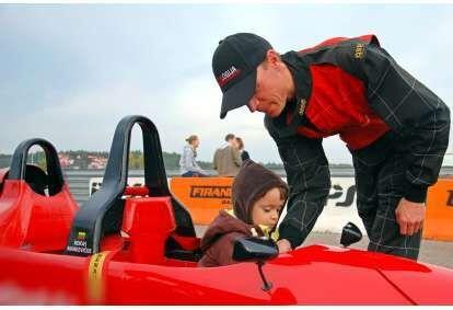 Pasivažinėjimas vaikams formulės bolidu Nemuno žiede su R. Markevičiumi