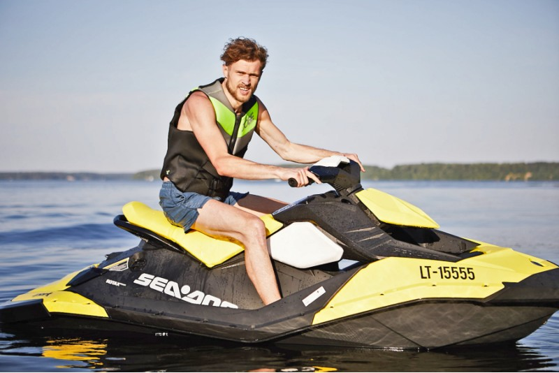 Pasiplaukiojimas vandens motociklu 1 asmeniui