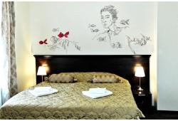 """Romantiška nakvynė dviems Meno viešbutyje """"Bohema"""" Klaipėdoje"""