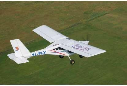 Lidojums ar divvietīgu lidmašīnu AEROPRAKT-22 pieredzējuša pilota pavadībā