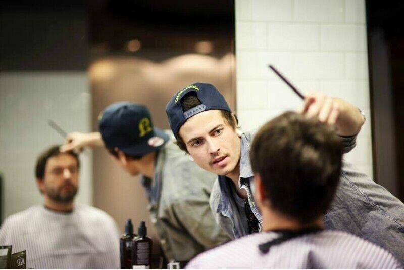"""Kirpimas išskirtinėje """"The Chop Barbershop"""" vyrų kirpykloje Vilniuje"""