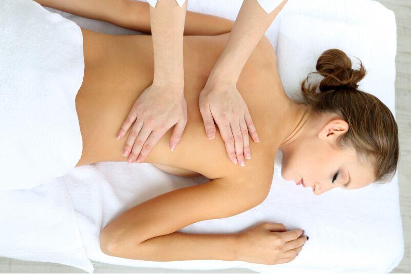 """Atpalaiduojantis viso kūno masažas """"Žmogaus studijoje"""" Panevėžyje"""