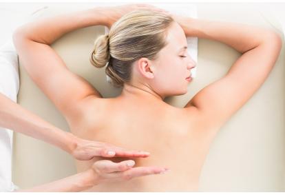 """Ajuverdinis masažas KERALA """"Žmogaus studijoje"""" Panevėžyje"""