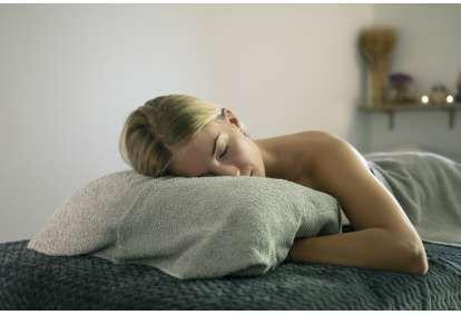 Atpalaiduojantis viso kūno masažas + DOVANA masažo namuose