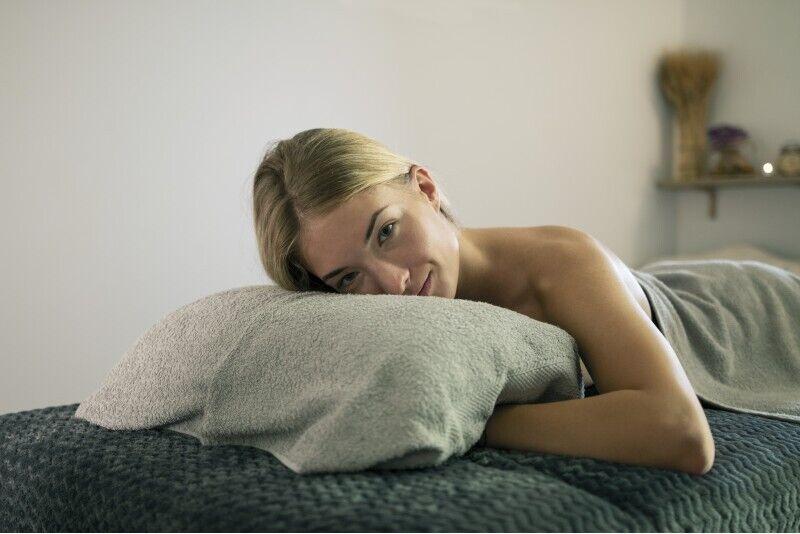 """Galvos ir dekolte masažas + veido procedūra masažo namuose """"Mezzanine"""""""