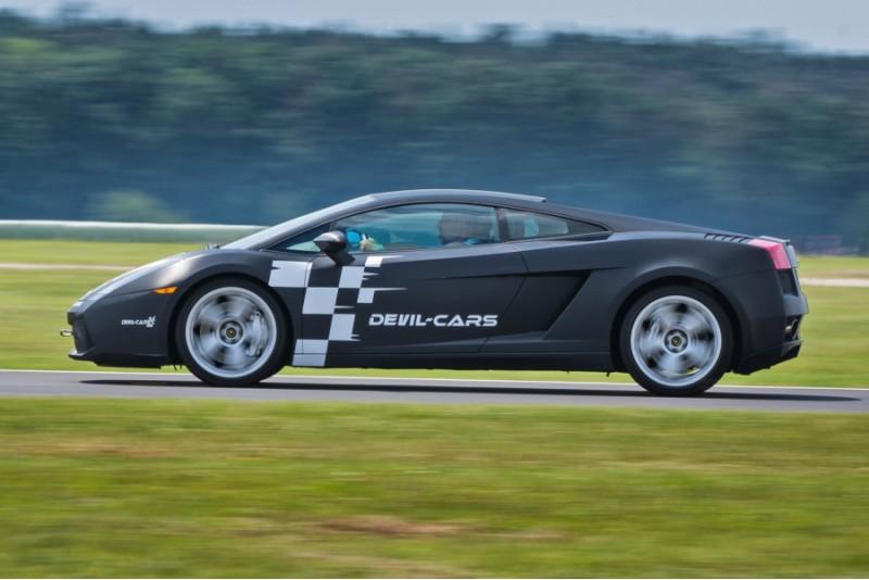 Sėsk už Lamborghini Gallardo vairo Lenkijos trasoje