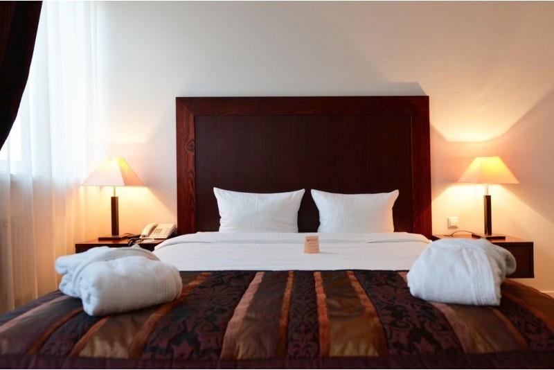 """SPA poilsis """"Gilus miegas"""" su vakariene dviem viešbutyje """"Navalis"""" Klaipėdoje"""