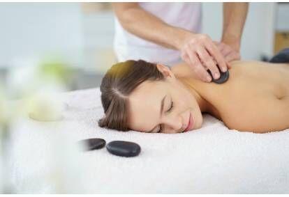 Nugaros masažas rankomis, vakuumu, karštais akmenimis Tauragėje