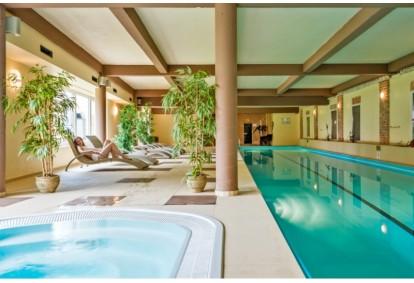 """Apsilankymas baseinų ir pirčių erdvėje viešbutyje """"Romantic"""" Panevėžyje"""