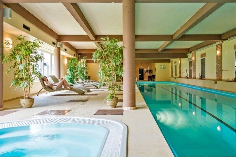 """Apsilankymas baseinų ir pirčių erdvėje dviem """"Romantic"""" Panevėžyje"""