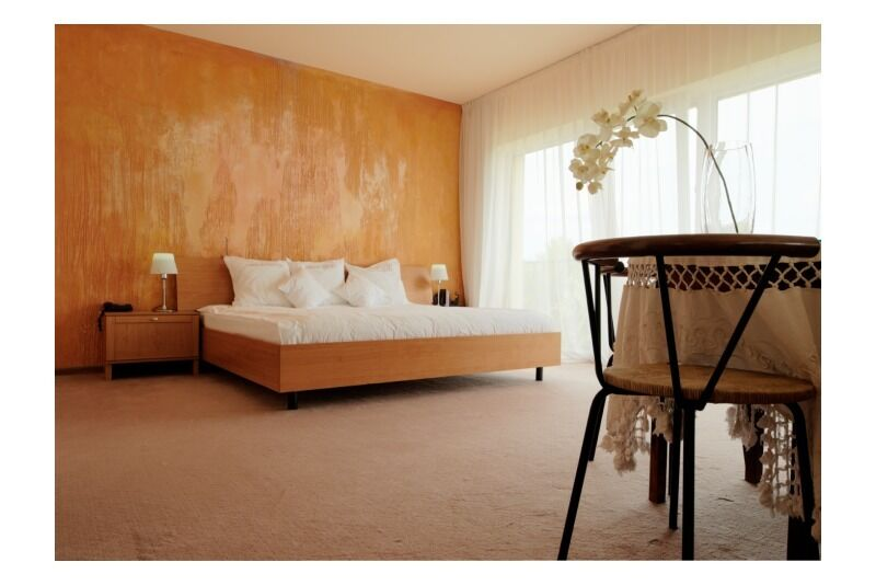 """2 nakvynių poilsis viešbutyje """"Romantic"""" su pusryčiais ir baseinu Panevėžyje"""