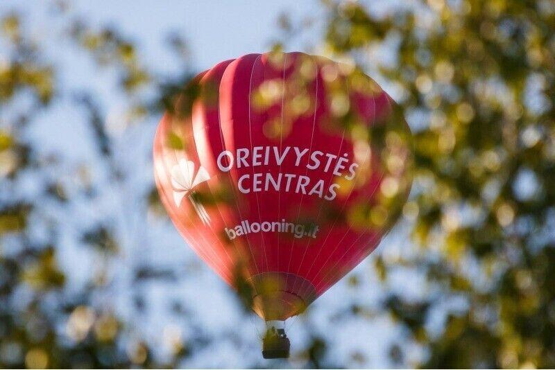"""Skrydis oro balionu Šiauliuose su """"Oreivystės centro"""" oreiviais"""