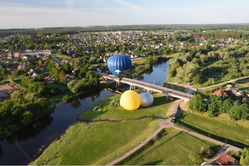 "Skrydis oro balionu virš Ukmergės su ""Oreivystės centru"""