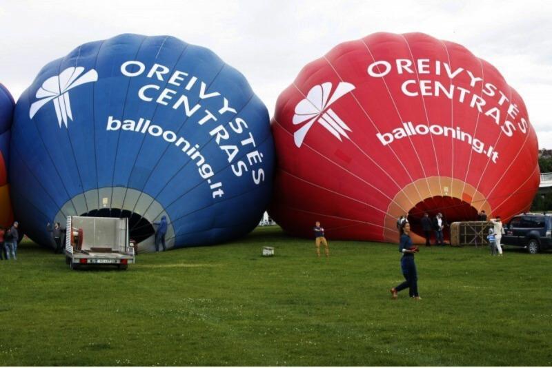"""Skrydis oro balionu virš pasirinkto miesto su """"Oreivystės centro"""" oreiviais"""