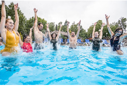 """Vandens malonumai dviem baseinų ir pirčių erdvėje """"Atostogų parke"""""""