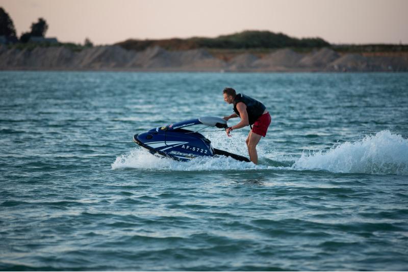 Plaukimas Stand-up tipo vandens motociklu Klaipėdoje 1-4 asmenims