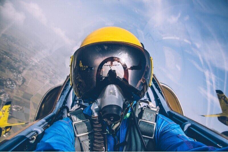 Akrobatinis skrydis reaktyviniu lėktuvu
