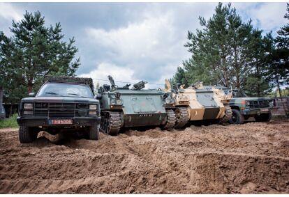 Išbandyk karinį autoparką ir šaudyk pistoletu - kulkosvaidžiu Vilniuje