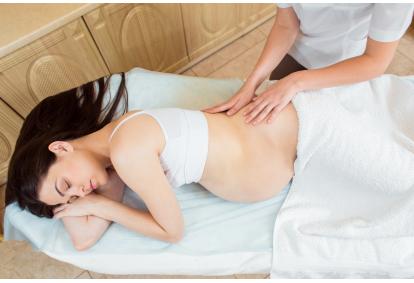 """Atpalaiduojantis nugaros masažas nėščiosioms """"Masažo klinikoje"""" Vilniuje"""