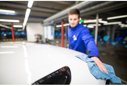 Automobilio plovimas su sausinimu ir padengimu vašku EXPRESS kompleksas