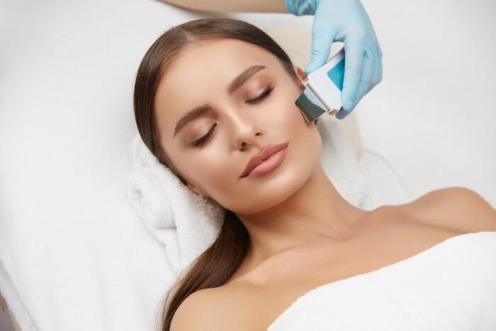 Ultragarsinis-giluminis veido valymas + deimantinė dermabrazija