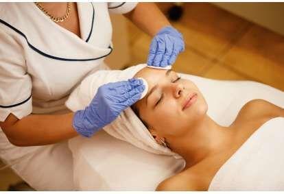 """STOP acne"" veido procedūra grožio salone ""Wash & Blow"" Kaune"