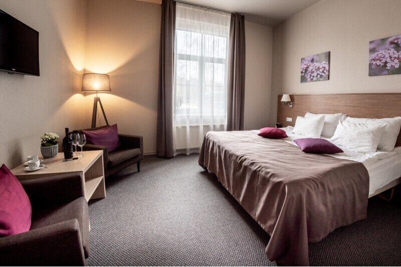 """Romantiška nakvynė ir pusryčiai """"Puikios atostogos"""" viešbutyje """"Sigulda"""""""
