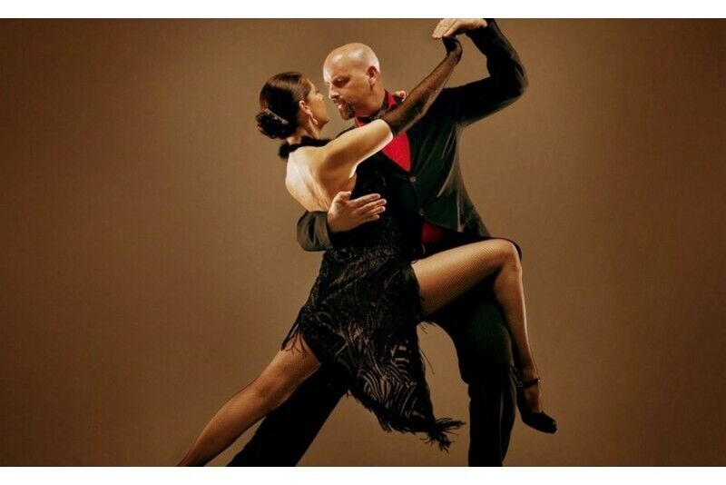 """Porinių šokių pamokos šokių studijoje """"Salida"""" Šiauliuose"""