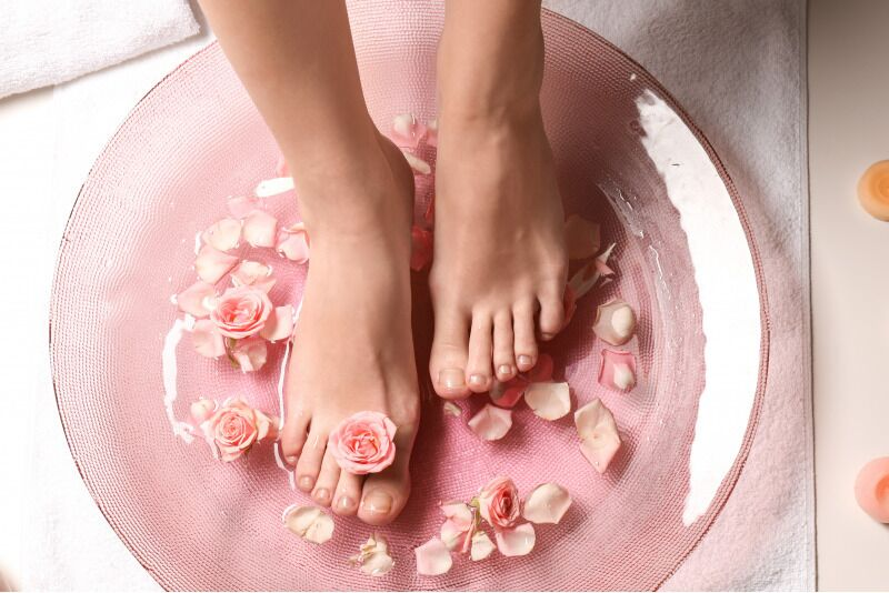 """Detoksinė pėdų vonelė ir nesvarumo terapija """"Kristalų namuose"""" Alytuje"""