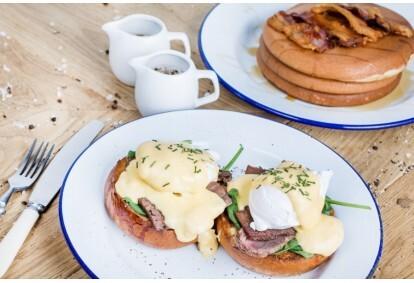 """Vėlyvieji savaitgalio pusryčiai restorane """"Drama Burger"""""""